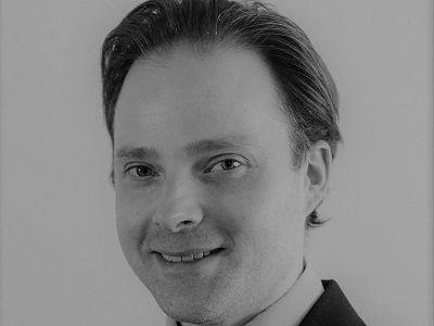 Head shot of Mr Miles Parnell, specialising in cataract surgery